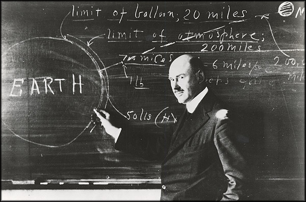 День Люди События.16 марта.Роберт Годдард первым в мире запустил ракету на жидком топливе