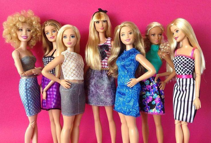 День Люди События.9 марта.В продажу поступили первые куклы Барби