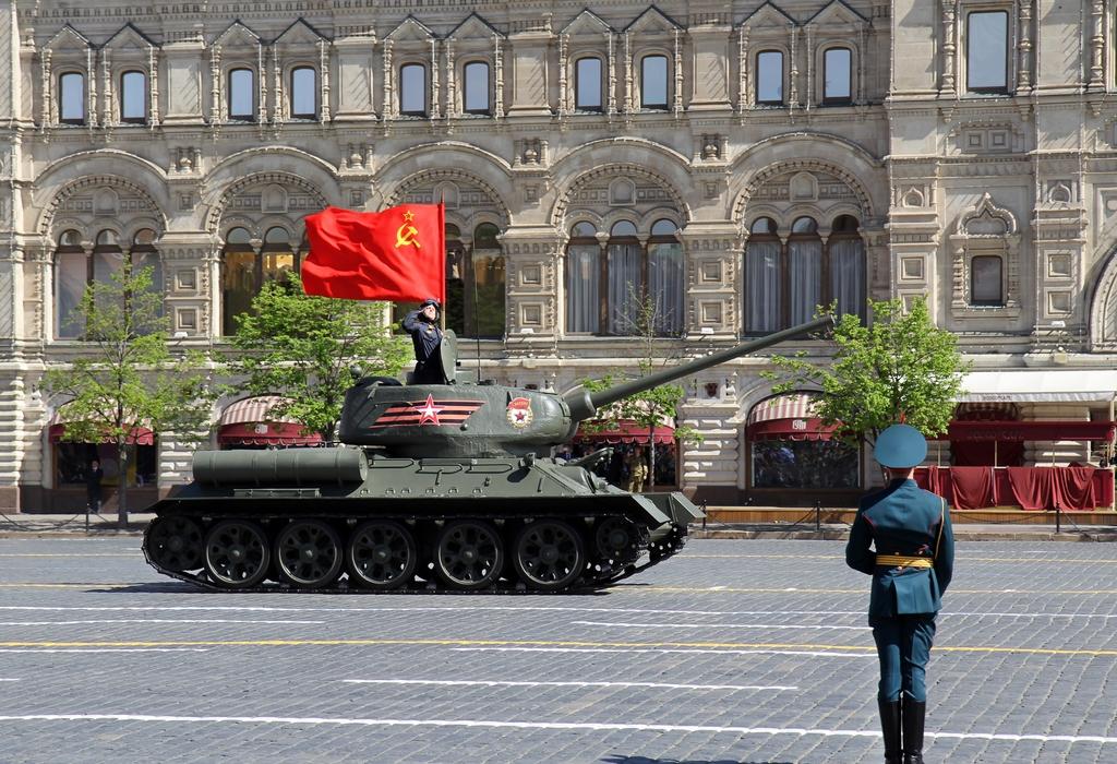 Военная техника на Параде Победы